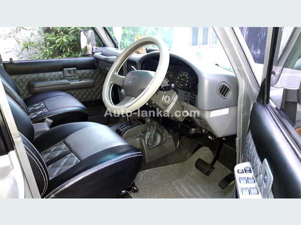 Toyota BOX PRADO 1995 Jeeps For Sale in SriLanka