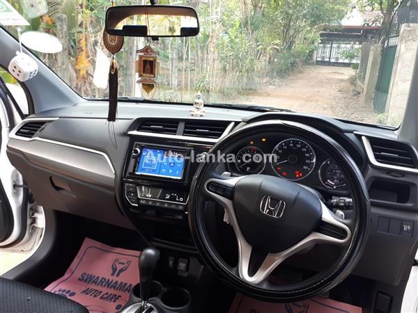 Honda Brv 7seater 2017 Jeeps For Sale in SriLanka