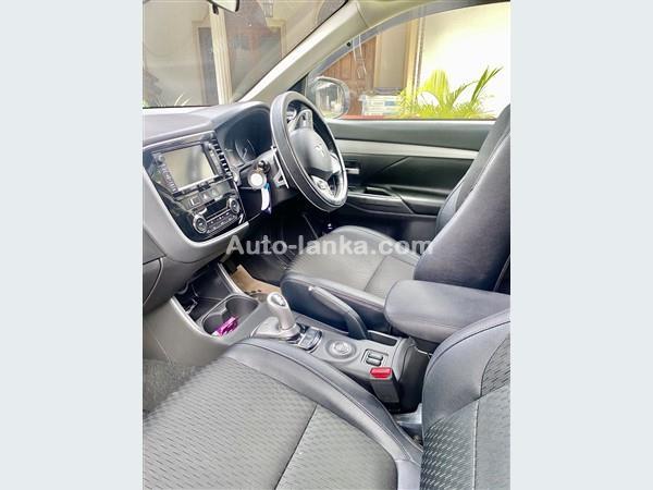 Mitsubishi 2015 2015 Jeeps For Sale in SriLanka