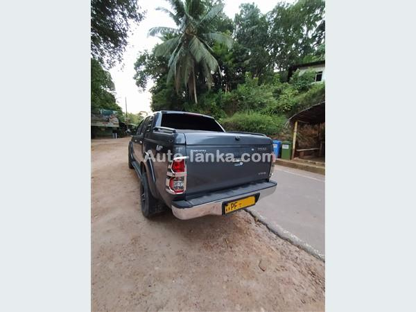 Toyota Hilux 2013 Pickups For Sale in SriLanka
