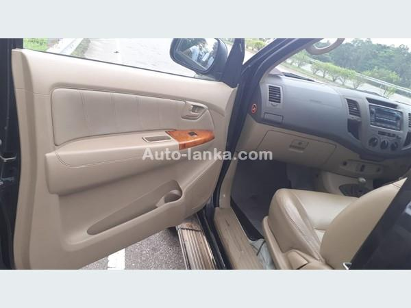 Toyota Hilux 2009 Jeeps For Sale in SriLanka