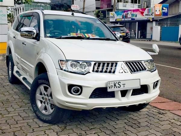 Mitsubishi Montero Sport Limited Edition 2011 Jeeps For Sale in SriLanka