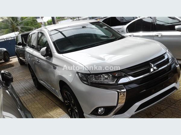 Mitsubishi OUTLANDER 2016 Jeeps For Sale in SriLanka