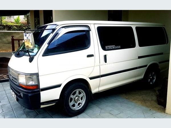 Toyota LH 172 DOLPHIN 2005 Vans For Sale in SriLanka