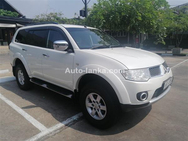 Mitsubishi Montero Sport 2011 Jeeps For Sale in SriLanka