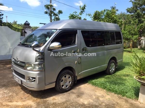 Toyota TOYOTA KDH 200 HIGHROOF 2007 Vans For Sale in SriLanka