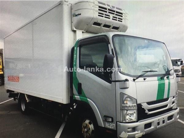Isuzu Freezer Manual 06 Nuts 2015 Trucks For Sale in SriLanka