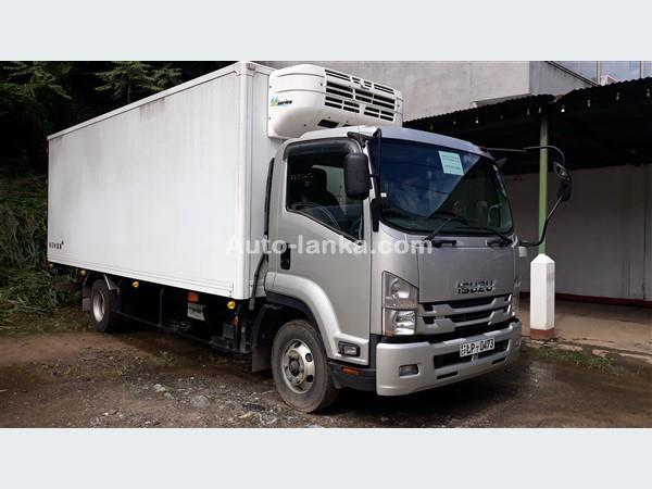 Isuzu ELF 2016 Trucks For Sale in SriLanka