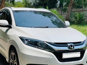 Vezel car for rent.. 125000