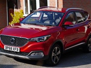 MG ZS SUV FOR RENT